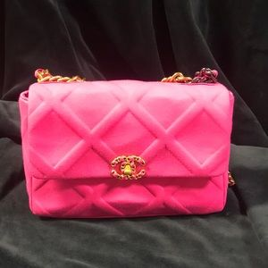 Hot pink Chanel 19 Style Purse